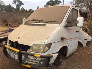 Mercedes Sprint Cab For Parts(Gearbox Incl.)