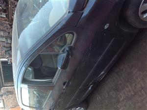 Stripping Peugeot 307 2005 for Spares