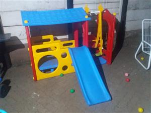 Super Playhouses Kids Jungle Gym slide and swing