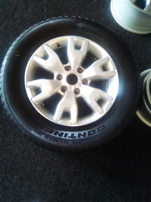 18 inch Ford Ranger mag with 265/60/18 Continental cross contact tyre R2000.00.