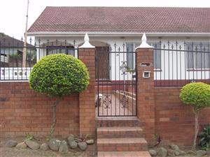 Beautiful 4 bedroom House - In a sort after area in Pietermaritzburg.