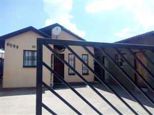Rooms for rentals in Protea glen ext 11