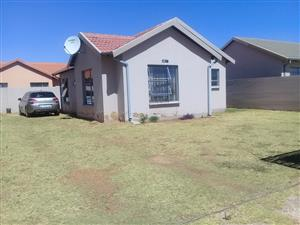 3 Bedroom house for rental in Fleurhof ext 26 for R6500.