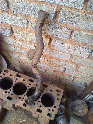 Nissan Air Conditioner Compressor and Pipe