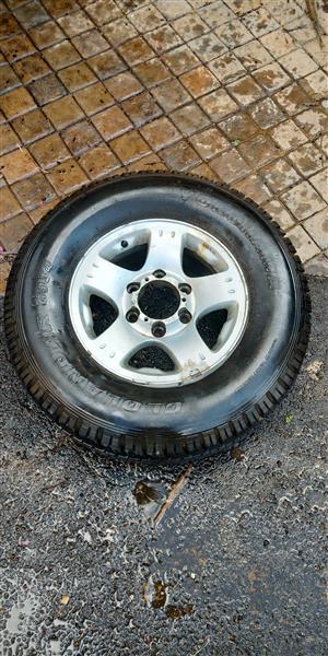 "Isuzu 4x4 15"" Rim & Tyre"