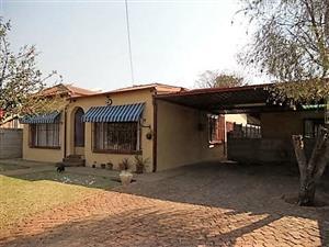 213 C KOOS DE LA REY STR - 3 BEDROOM HOUSE IN PRETORIA NORTH (RAPID RENTALS)