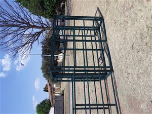 Movable Cattle Crush with neck clamp