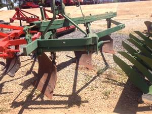 Green John Deere 3 Furrow Beam Plough / Balk Ploeg Pre-Owned Implement