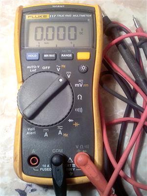 Fluke 117 True RMS Multimeter
