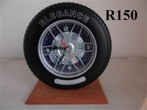 Elegance tyre wall clock