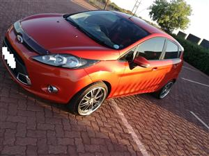 2011 Ford Fiesta hatch 5-door FIESTA 1.6i AMBIENTE 5Dr