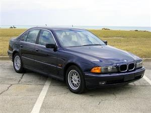 1997 BMW 328i E39 BLUE STRIPPING FOR PARTS