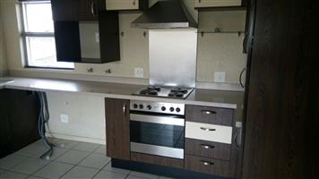 Bachelor flat for sale close to Monte Casino