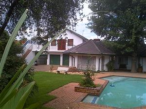 3 Bedroom House with Granny Flat/Office - Brackendowns, Alberton