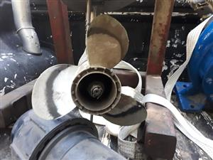 Boat propellor for sale