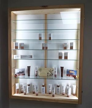 CABINETS - Glass and Wood CABINETS,  -Quality Custom made Display Cabinets for Collectibles and Models.