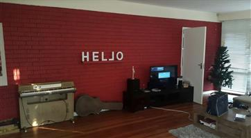 Large Room Available in house in Parkwood
