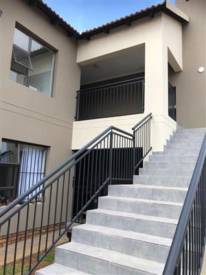 3x Neat 2 Bedroom Upstairs Unit Available - Pet Friendly