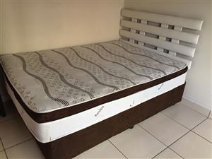Best quality queen and double size bed with base in perfect condition.