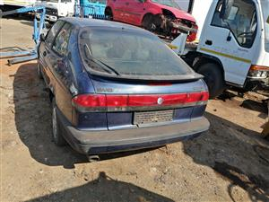 Stripping Saab 900 se for spares