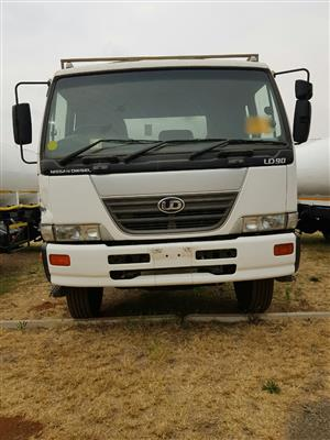 2006 Nissan UD90 (Auto) Water tanker truck, 10000litres for sale