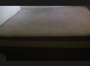 Sleepmasters Queen bed for sale