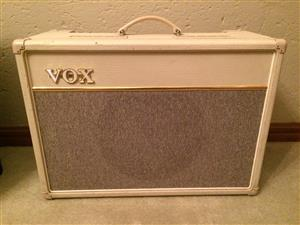 Vox AC15C1 in Limited Edition White