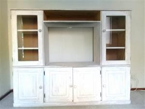 TV lounge cabinet Pine wall unit R1295.00 NOT NEG cash only NO EFT buyer must collect Call/whatsapp 0826924086