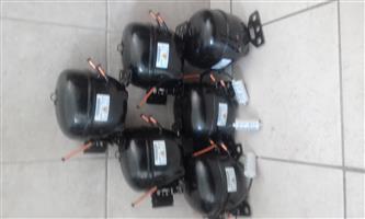 Fridge / freezer compressor