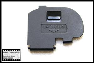 Canon EOS 40D - Battery Door