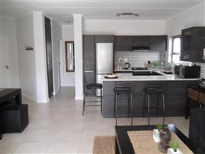Equestria - Ultra Modern 2 Bed 2 Bath Apartment : Opposite The Grove Mall