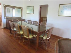 QUIET, PEACEFUL So much potential 4 bedroom House + one bedroom Cottage R925,000 Umtentweni