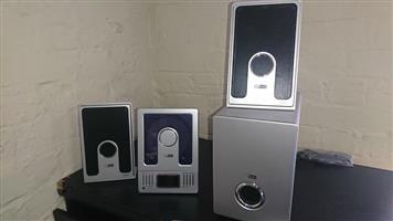Speaker and subwoofer set for sale