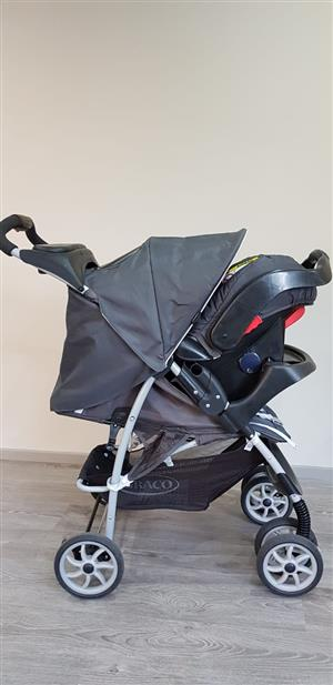 Graco Mirage 3 Travel system. Charcoal