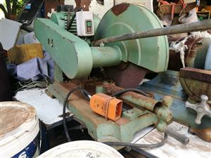 3 Phase steel cut off machien works well R2000 call Steve 0832265788