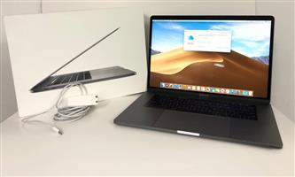Macbook Pro 15inch 2017 in box Four Thunderbolt 3