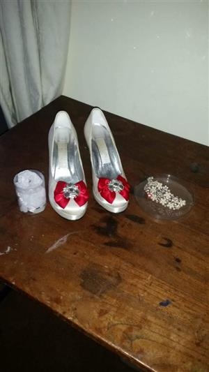 wedding dress mint cond weekend bargain