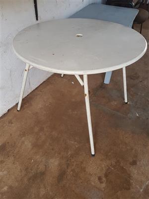 Groot wit ronde tafel Te koop