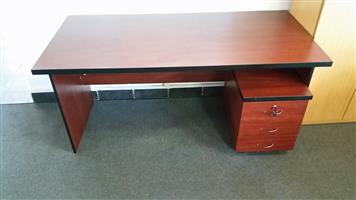Mahogany desk with pedestal