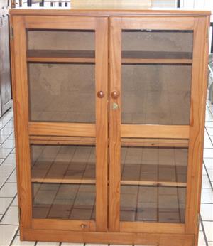 Pine 2 door glass display S029673E #Rosettenvillepawnshop