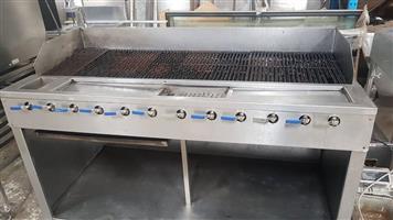 12 Burner large gas braai griller