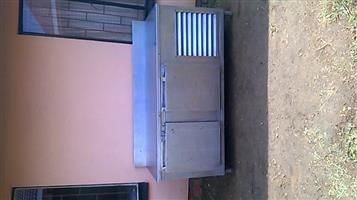 Under counter bar fridge R2000