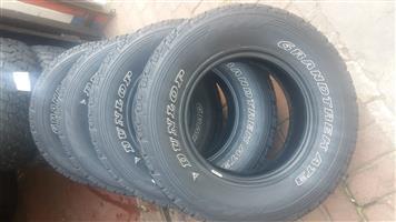 Brand new Dunlop 265-45-17