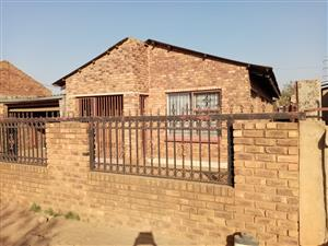 3 BEDROOMS HOUSE FOR SALE MAMELODI EXT 5 R550 000.00 CALL SOPHY  FOR MORE INFO @ 076 081 3571