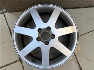 "Volvo 17"" Mag wheel"