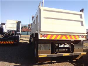 2007 NISSAN UD 440 10 CUBE TIPPER