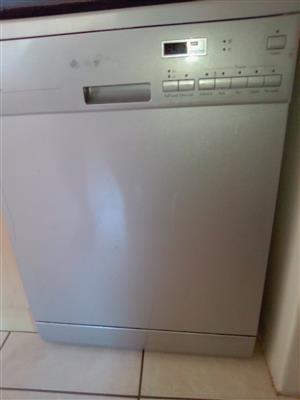 LG Dishwasher for sale R1000