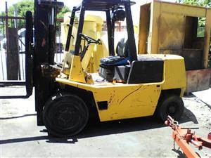 TCM Forklift 4 Ton • Diesel