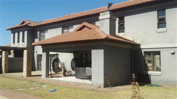 TO HAVE 5 BEDROOMS FAMILY HOUSE  FOR SALE HAARTEBEESPORT BIRDWOOD ESTATE IFAFI R2 250 000.00 CALL QUINTON @ 0723325794 / 0127000100