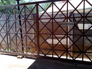 6.5m x 2m gate for sale